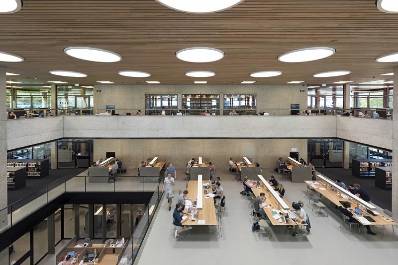 Không gian trong thư viện
